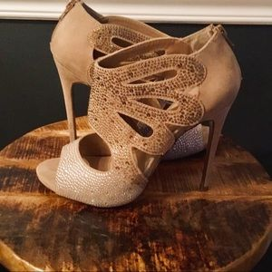 EXCELLENT CONDITION Betsey Johnson Crystal Booties